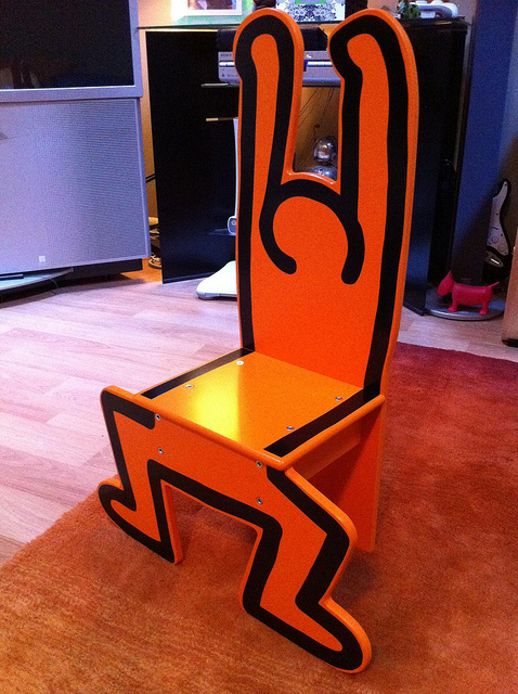 Chaise figure orange par VILAC