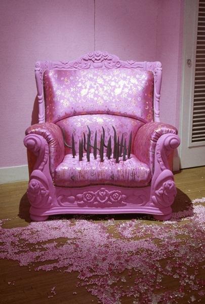 Kim sooja la femme aiguille for Pink sofa login