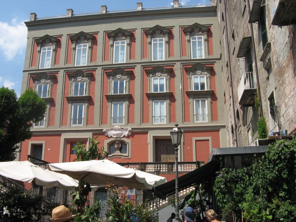 Naples, aperçu Piazza Bellini