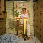 Mika Rottenberg, Tropical Breeze, 2004