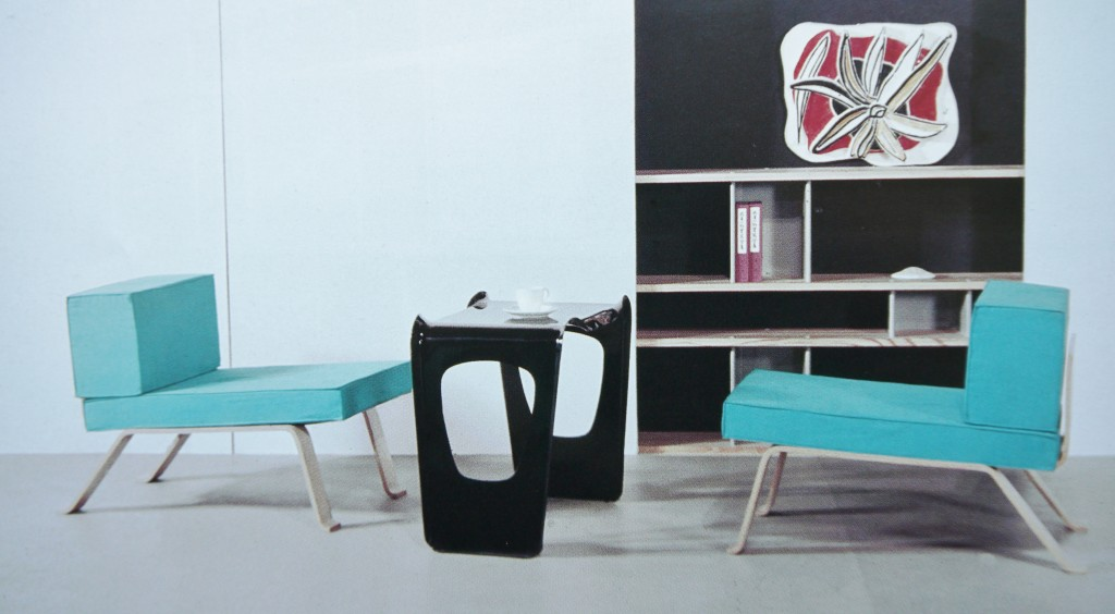 Charlotte Perriand, Fauteuils OMBRE et Table AIR FRANCE