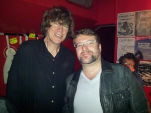 Votre serviteur et Thuston Moore - Leader de Sonic Youth- au Sonic, Lyon, le 17 avril 2013