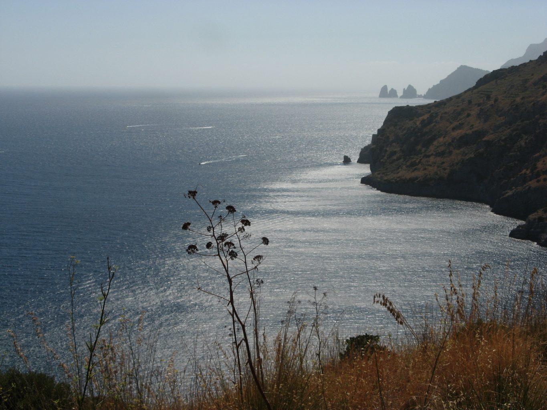 """Paysage de Campanie, au gond vue Capri et ses trois """"Fraglioni"""". Photo ©François Boutard"""