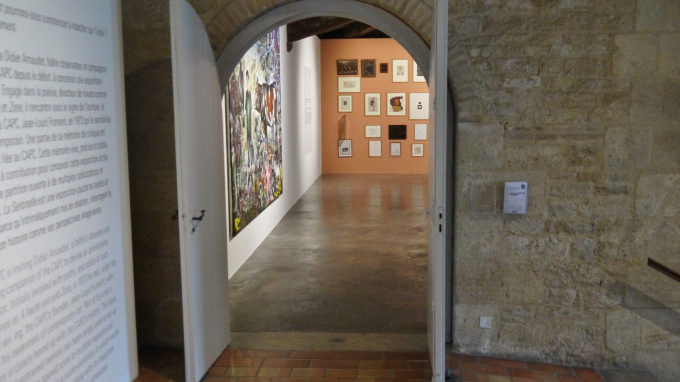 CAPC, Au premier étage une invitation à rentrer dans l'exposition La Sentinelle