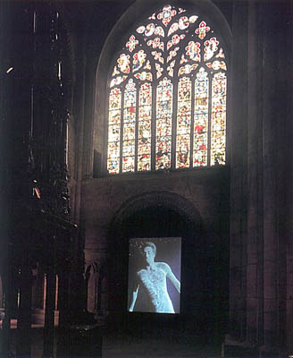 Bill Viola, The Messenger, 1996. Cathédrale de Durhan
