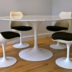 Eero Saarinen, table en marbre et chaises tulipe, un classique édité chez KNOLL