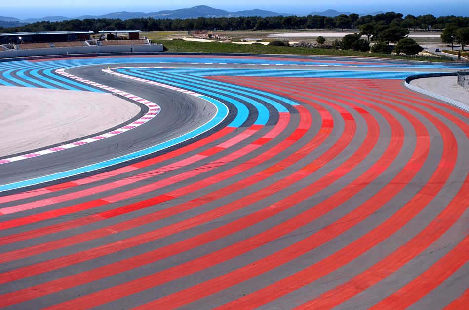 Paul Ricard circuit, ultra-adherent bands