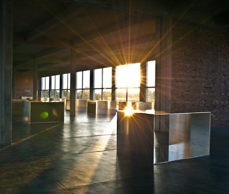 Un des bâtiments géré par de La Fondation Chinati, lever du soleil sur des oeuvres, spectaculaire !