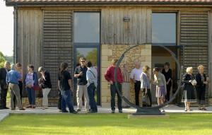 Jour de vernissage au Domaine Perdu, été 2012. Photo : Bernard Dupuy.