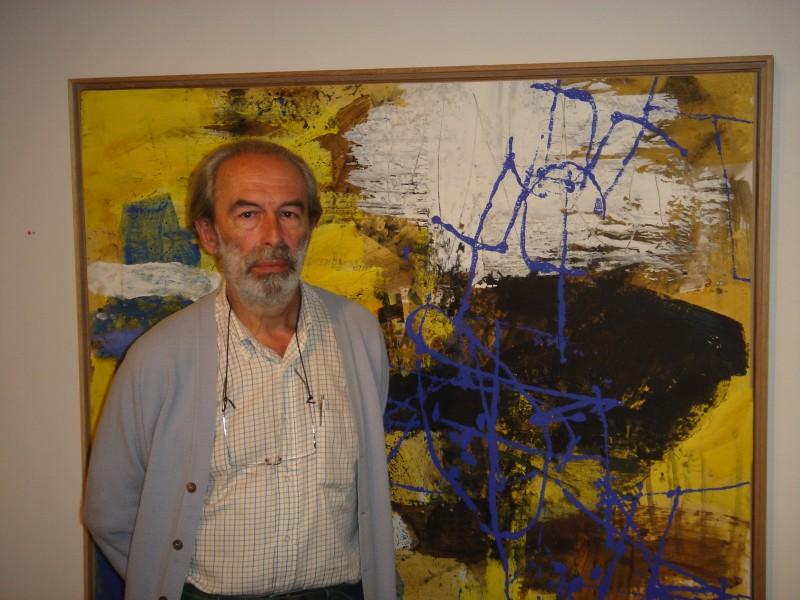 Thibaut de Reimpré devant un de ses tableaux