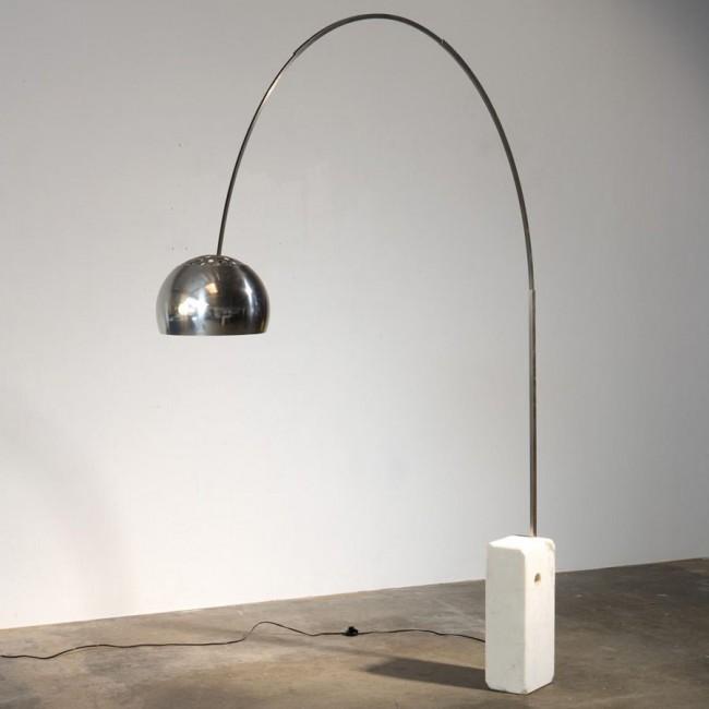Lampe Arco, design Achille Castiglioni, éditeur Flos