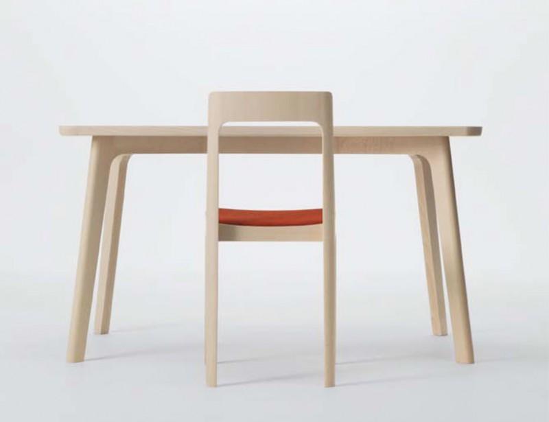 Naoto Fukasawa  Hiroshima small table. Un design effcetivement très épuré
