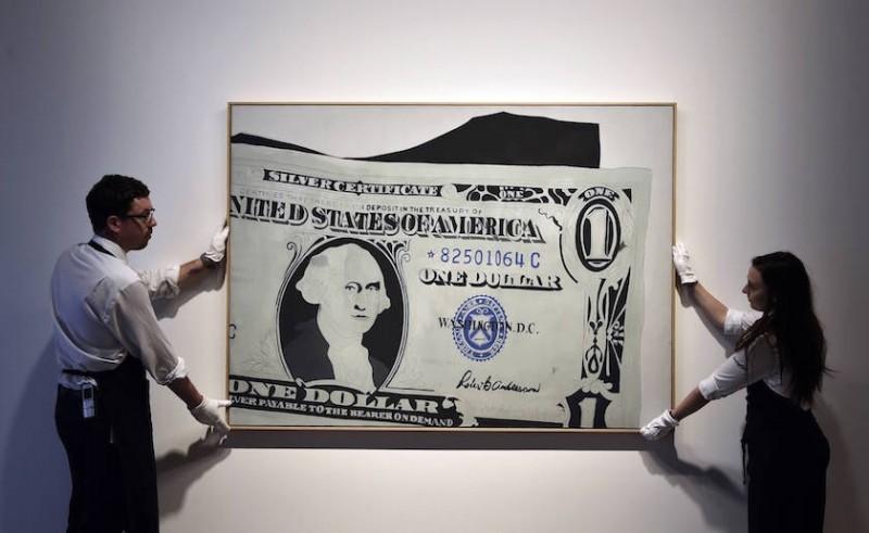Présentation de Silver Certificate d'Andy Warhol chez Sotheby's à Londres le 9 juin