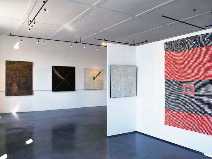 Vue de l'exposition L'art Aborigène, Château de Vogué, 2010