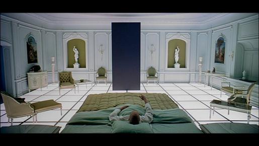 2001, l'Odyssée de l'espace. Scène avec le monolithe.