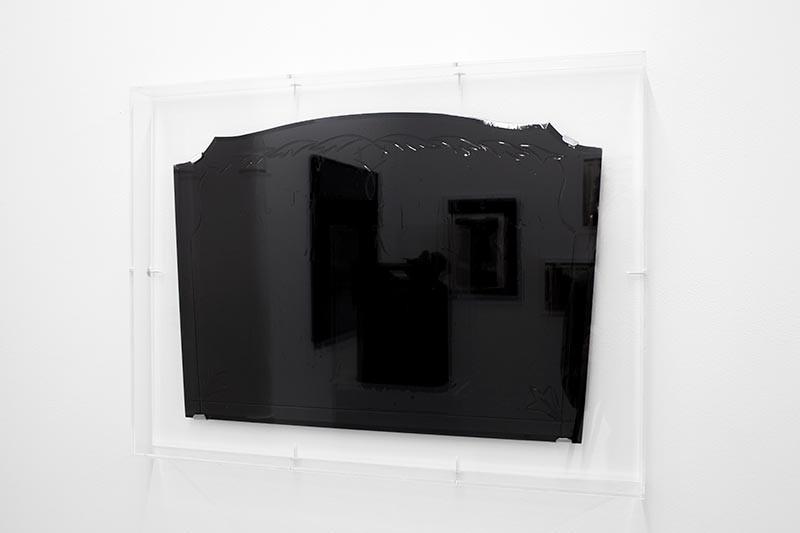 Gabriel Léger, Série Attraction, 2014 - Bitume sur miroir ancien