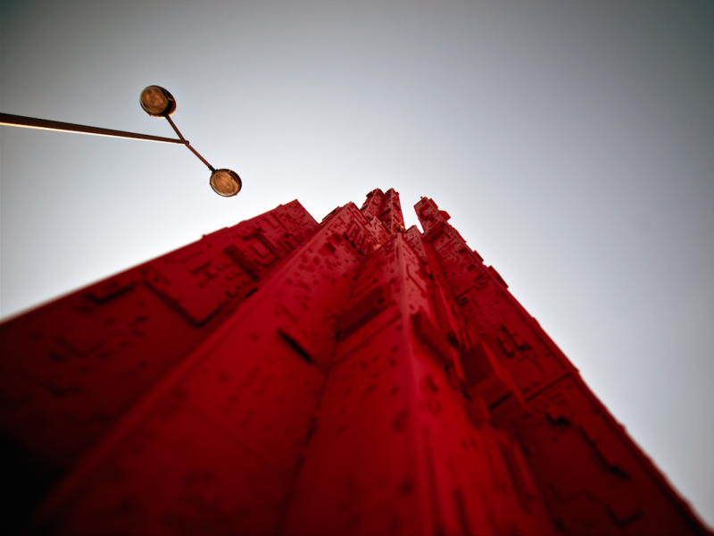 "Nicolas Delay, Red-tower ≠2 série ""Empreinte"". (Courtesy galerie BS, Neuilly-sur-Seine)"
