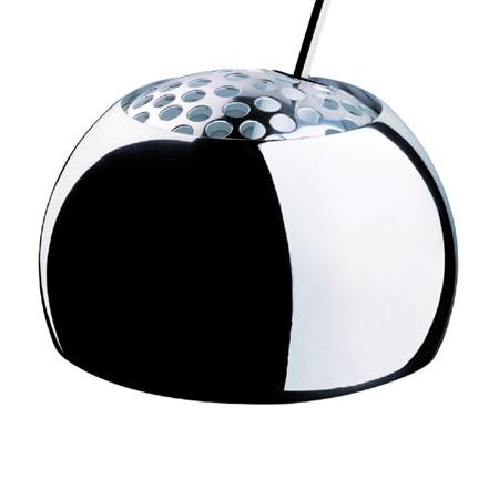 Lampadaire Arco, 1962, design Pier Giacomo & Achille Castiglioni. Haut du lampadaire, une originalité qui ne se démode pas