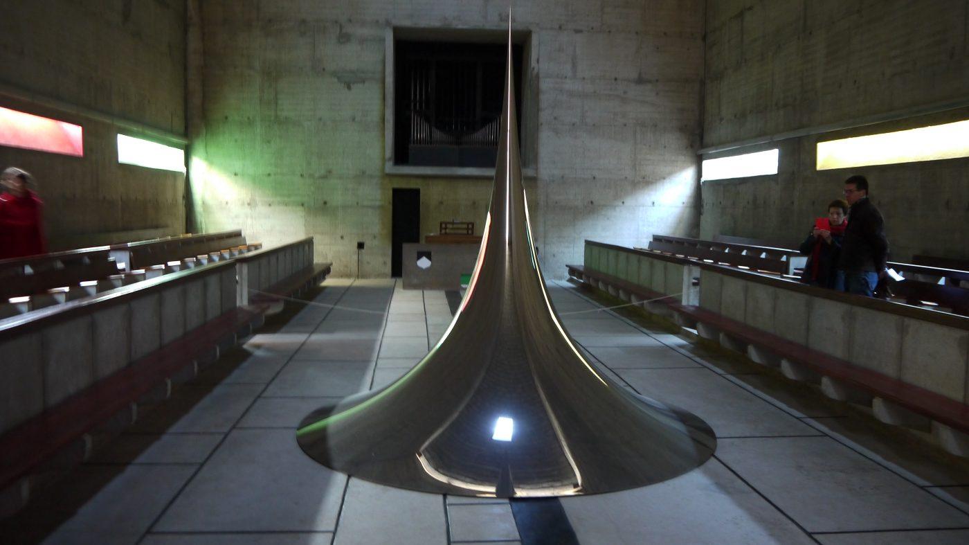 Anisk Kapoor, Spire 4 dans la chapelle (2007). Photographie  ©FrançoisBoutard