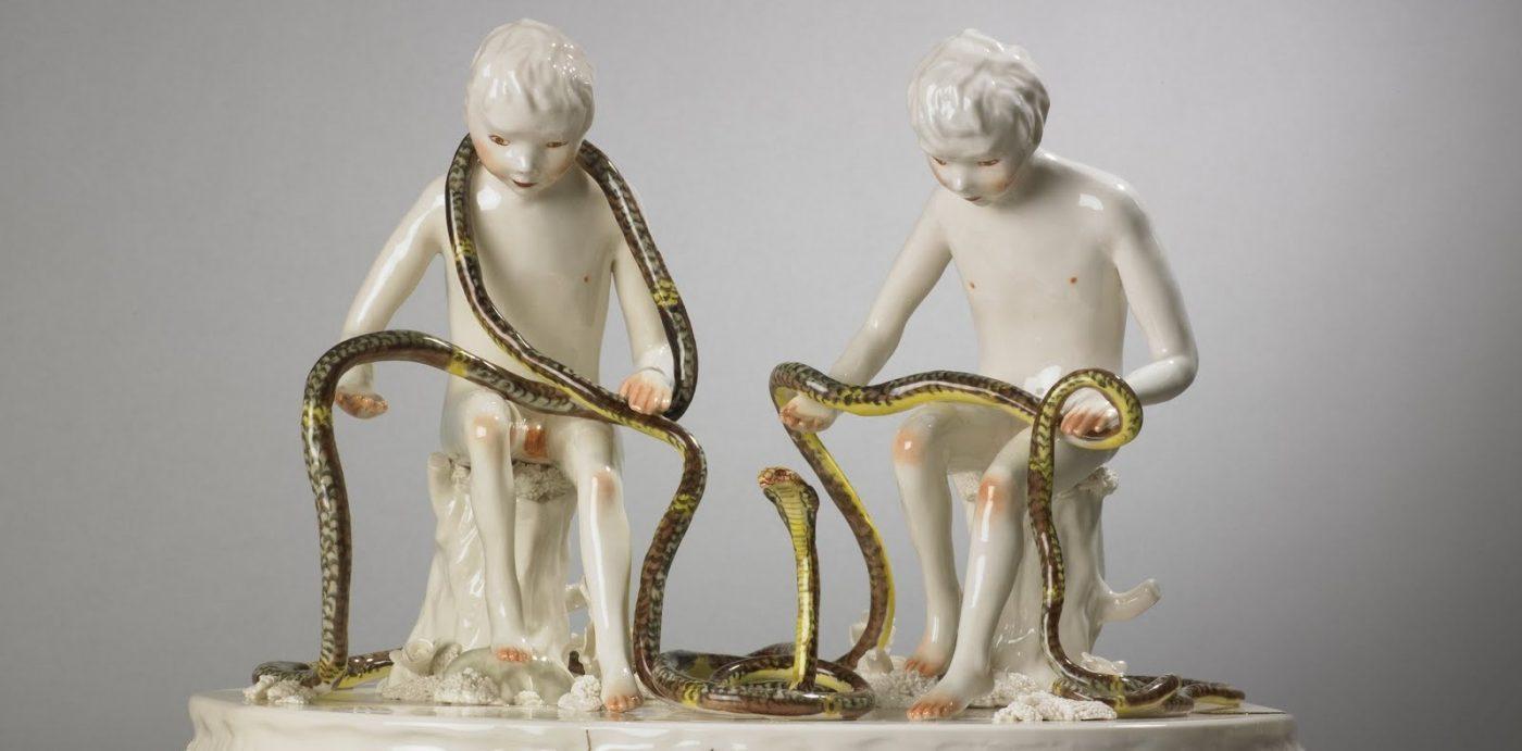 Shary Boyle, King Cobra, 2010. Oeuvre présentée dans le cadre du thème : Sacré et profane les traditions revisitées.