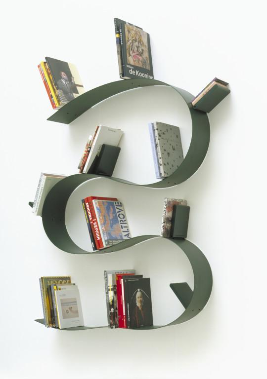 Etagere Bookworm, Ron Arad, 1994. Editée chez Kartell