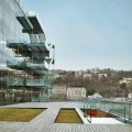 Vue sur un des côtés du siège de la société GL Events qui accueille Docks Art Fair, face à la Saône