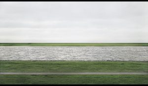 Andreas Gursky, « Rhein II », 1999, 185,4 x 363,5 cm