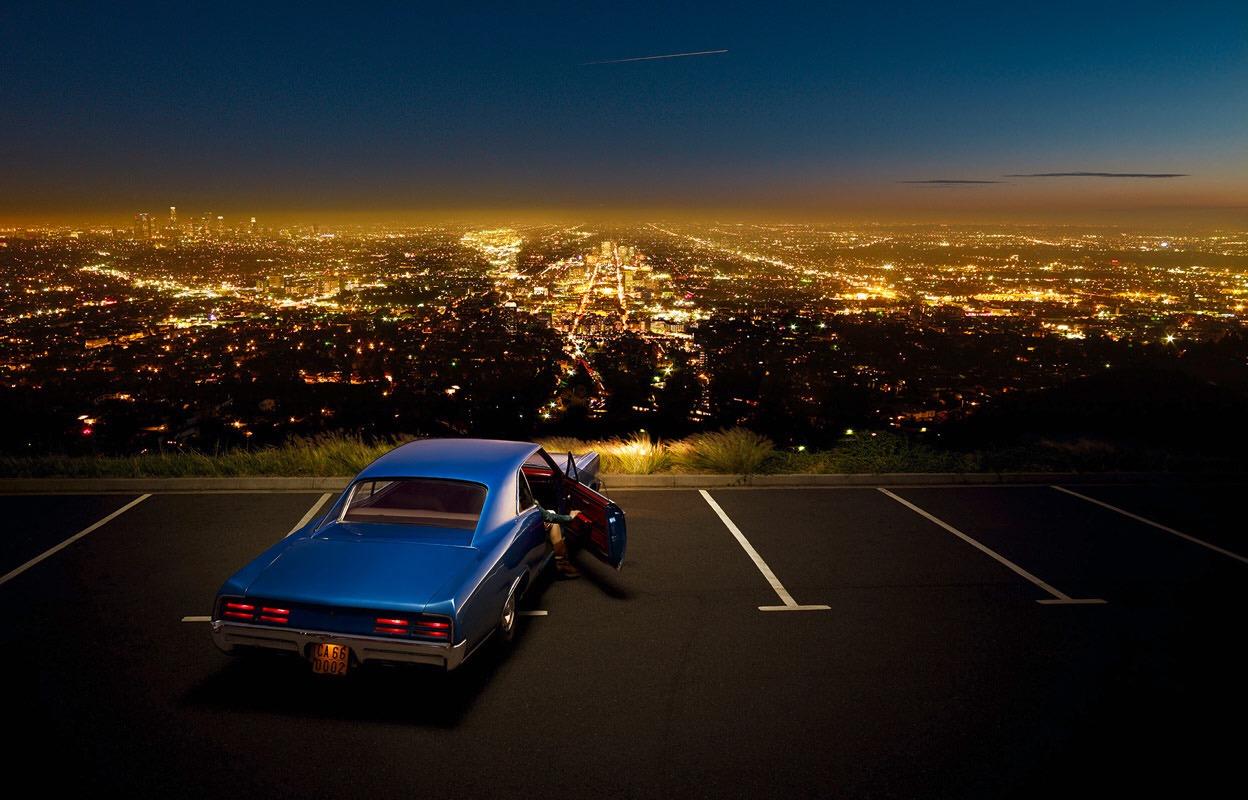 Vue sur les lumières d'Hollywood depuis Mulholland Drive, célèbre avenue de LA