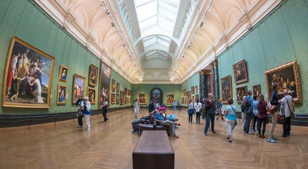 Vue d'une salle de la National Gallery, Londres