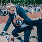 Jan Fabre durant sa performance pour ne pas battre le Record du Monde de l'heure d'Eddy Merckx