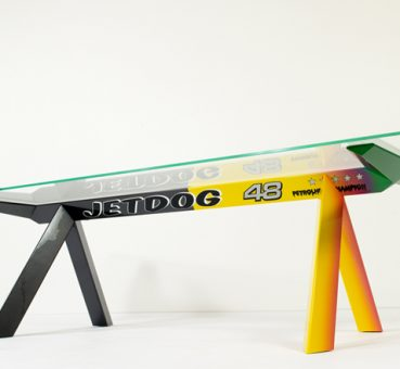 Konstantin Grcic, Jetblog Table.