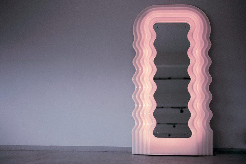Miroir Ultrafragola, design Ettore Sottsass pour Poltronova, 1970.