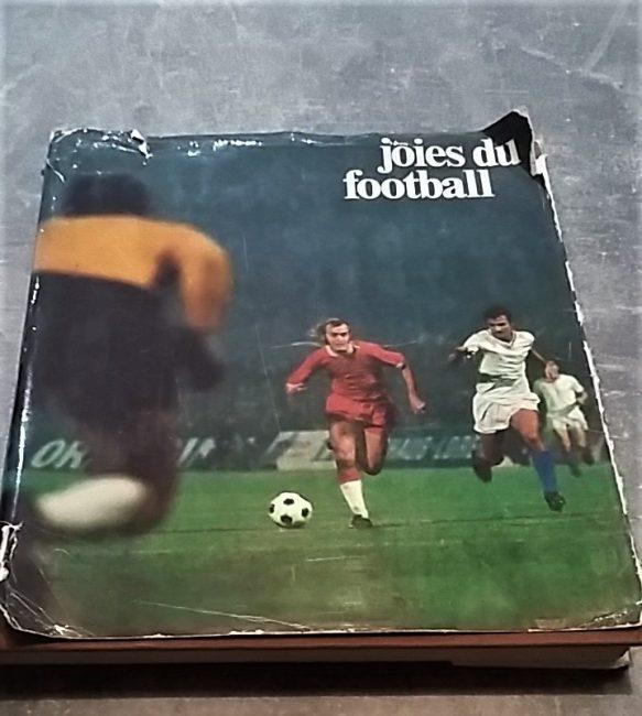Couverture du Livre joies du football, 1973, édité chez Hachette Réalités