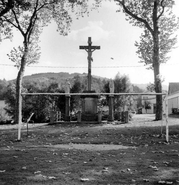 Pierre Schwartz, Buts. Saint-Jean-du-Bruel, France, 1996