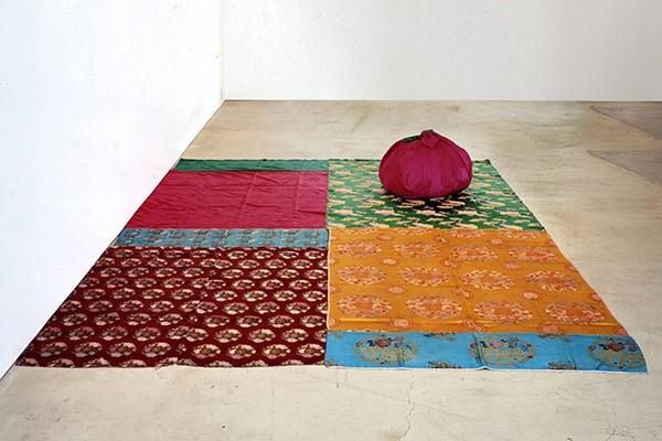 Kim Sooja, Deductive Object, couvre-lit coréen, 1997, ©Kim Sooja.