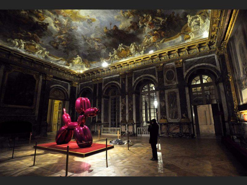 Vue de l'Exposition Jeff Koons à Versailles, 2008.