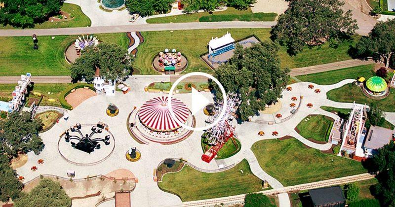 Vue aérienne du ranch de Michael Jackson, Neverland, transformé en parc d'attractions. Un paradis du jeu pour un adulte qui a refusé de grandir.