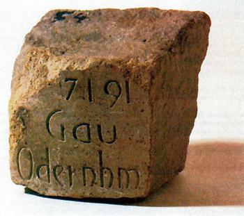 2.146 pierres, Monument contre le Racisme, détail d'un pavé.