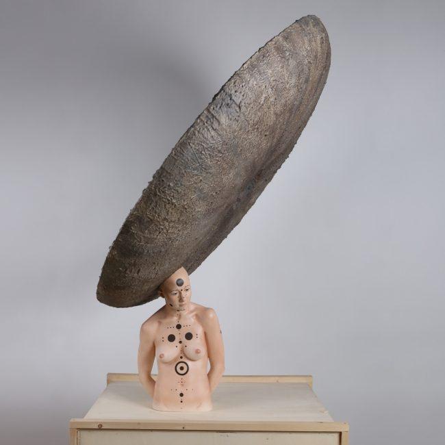 Stéphane Barret, Phalaborwa, résine polyuréthane, matériaux mixtes, peinture à l'huile et acrylique, Hauteur 1,40 m.