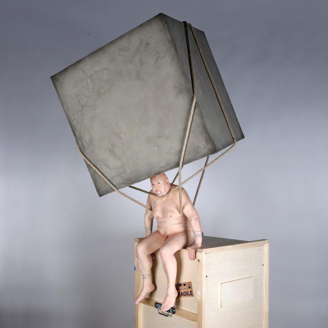 Stéphane Barret, Nelson, résine polyuréthane, matériaux mixtes, peinture à l'huile et acrylique, Hauteur : 1,50 m.