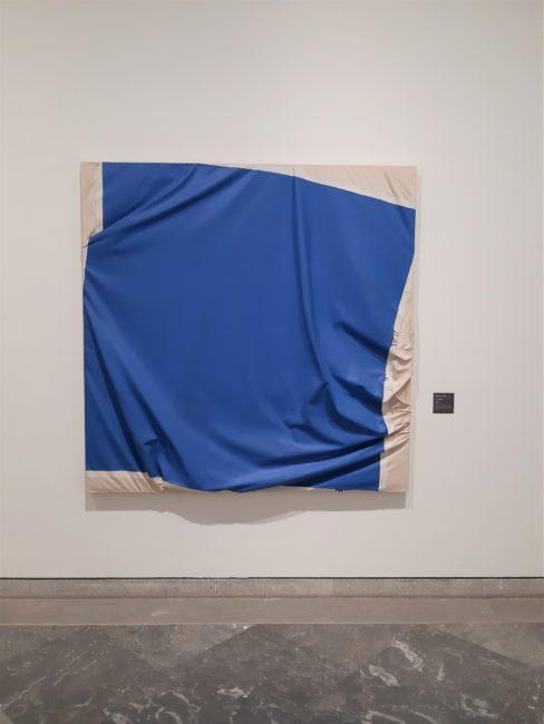 Turning Blue de Steven Parrino, une oeuvre de la collection du MAC Lyon.