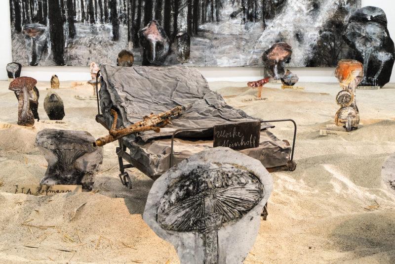 « Pour Madame de Staël : de l'Allemagne », 2015, Installation in situ sous les tuyaux du Centre Pompidou-Paris.
