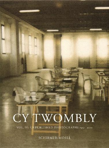 L'éditeur allemand Schirmer/Mosel a publié 4 catalogues raisonnés sur l'oeuvre photographique de Cy Twombly