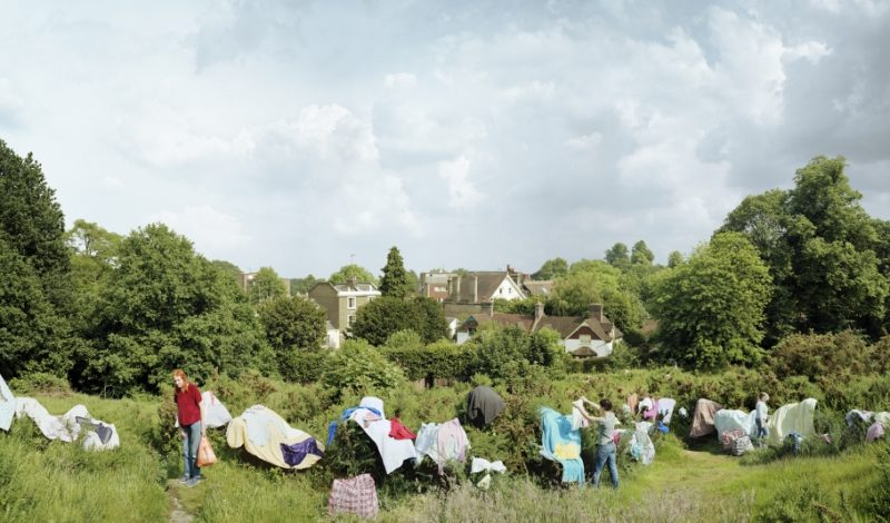 Scott McGarland, Women Drying Laundry on the Gorse, Vale of Health, Hampstead Heath, 2007, série Hampstead