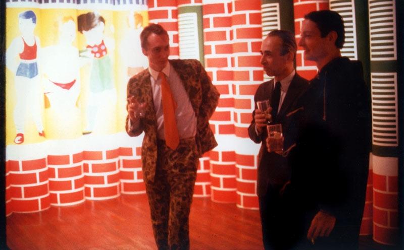Alain Jacquet en compagnie de Léo Castelli & Roy Lichtenstein, à l'occasion de son exposition à la galerie Iolas, New-York, 1964