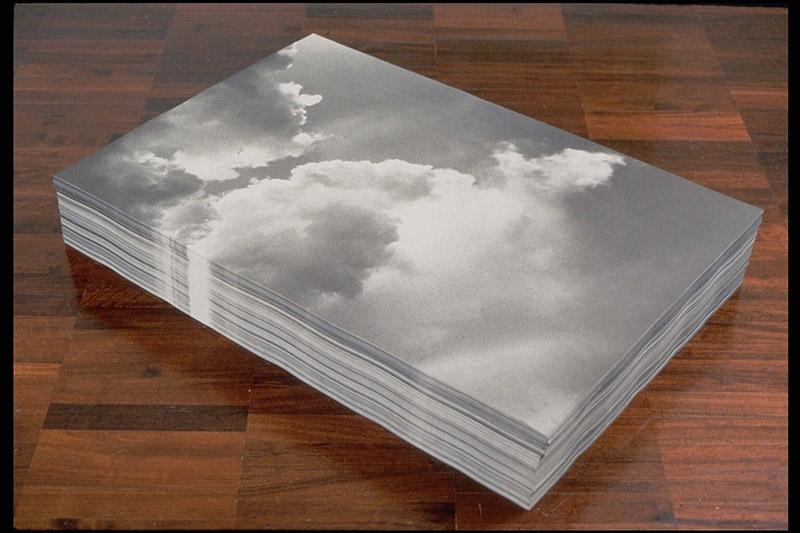 Felix Gonzalez-Torres, Untitled (Aparición), 1991