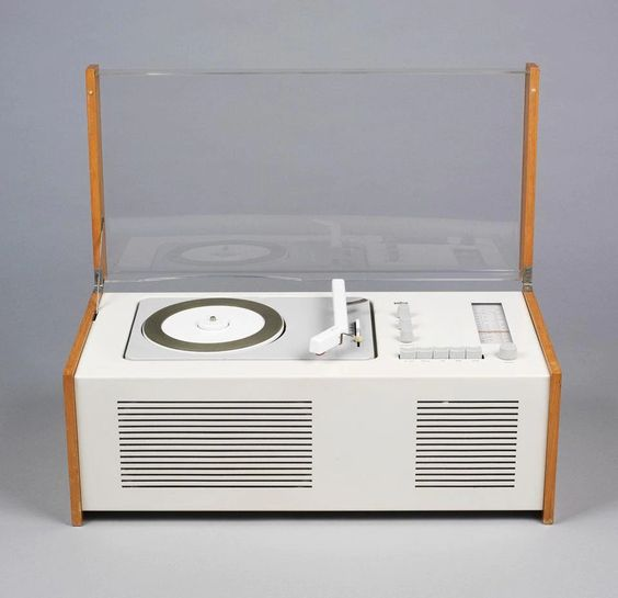 Hans Gugelot and Dieter Rams, Braun SK4, radio and record player, 1958. Museu de les Arts Decoratives de Barcelona-DHUB
