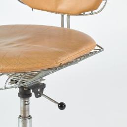 Une « variante » de la chaise « Beaubourg », la chaise Dactylo,