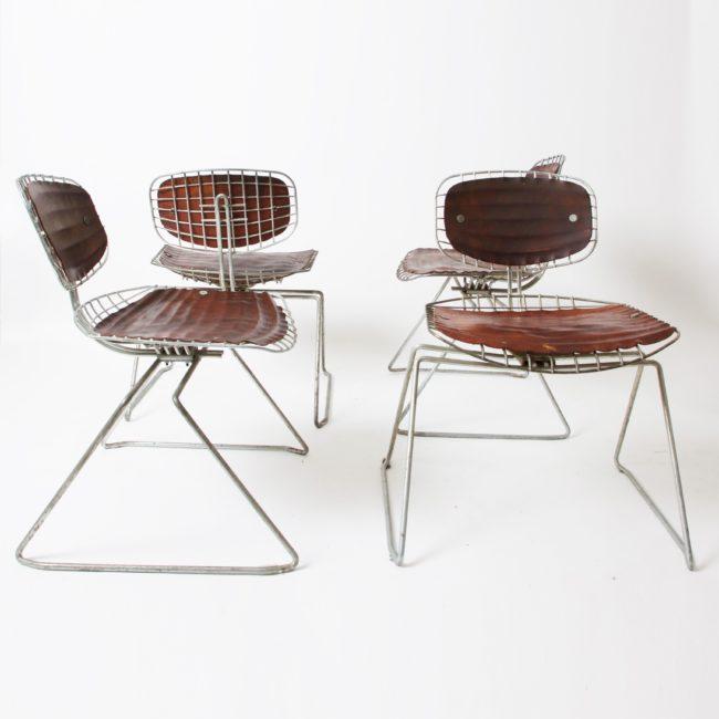 Chaises « Beaubourg » (Programme Treillis), appelées également Chaises Traîneau pour l'aménagement du Centre Pompidou. Design Michel Cadestin, TEDA Diffusion, 1976