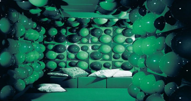Vue de l'exposition Visiona 1970 – Revisiting the Future, design Verner Panton.